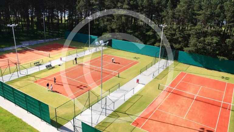 Top 10 Tennis Clubs